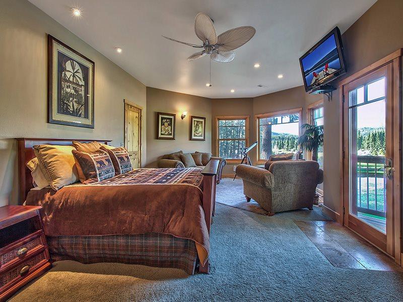 Additional photo for property listing at 17 Cedar Lane 17 Cedar Lane Blairsden, California 96103 Estados Unidos