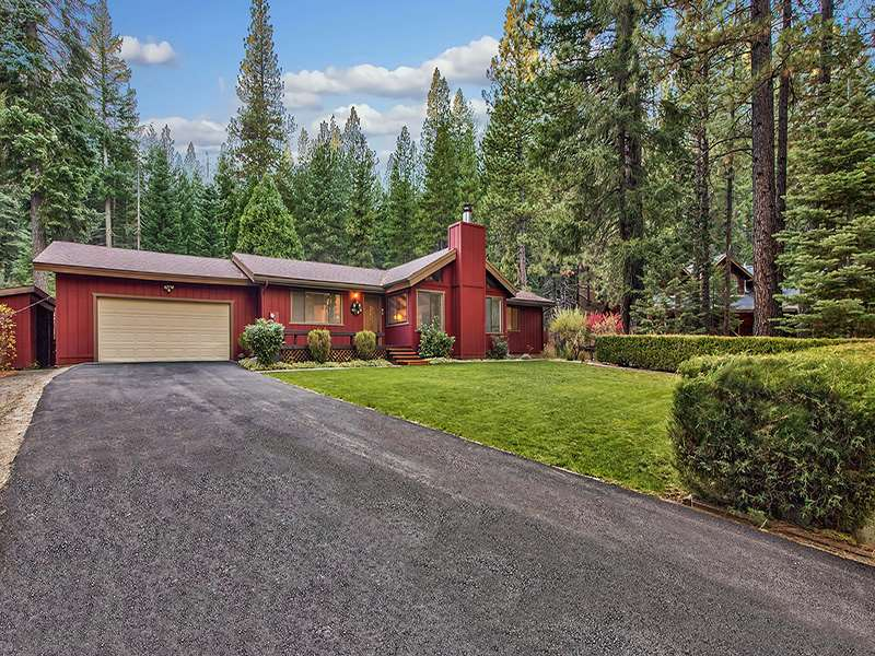 Single Family Home for Active at 17 Evergreen Circle 17 Evergreen Circle Blairsden, California 96103 United States