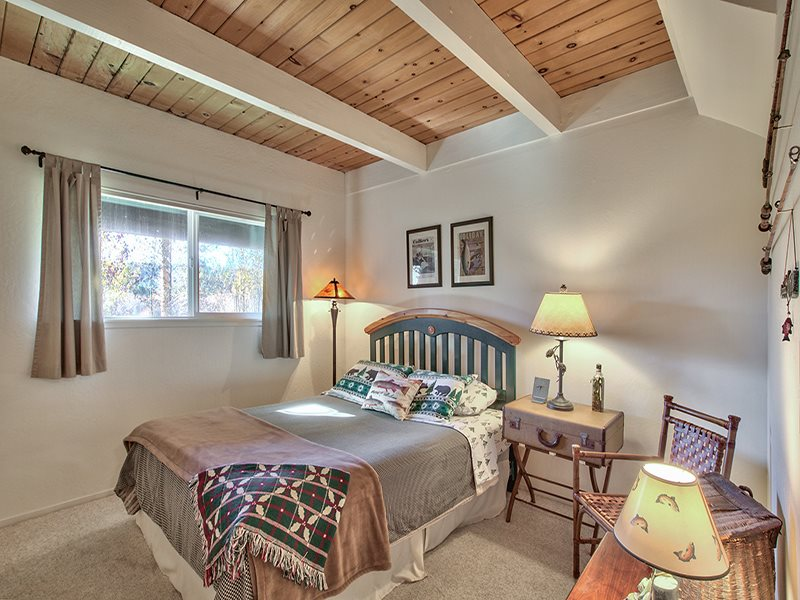 Additional photo for property listing at 2560 Lake Forest Road 2560 Lake Forest Road Tahoe City, California 96145 Estados Unidos