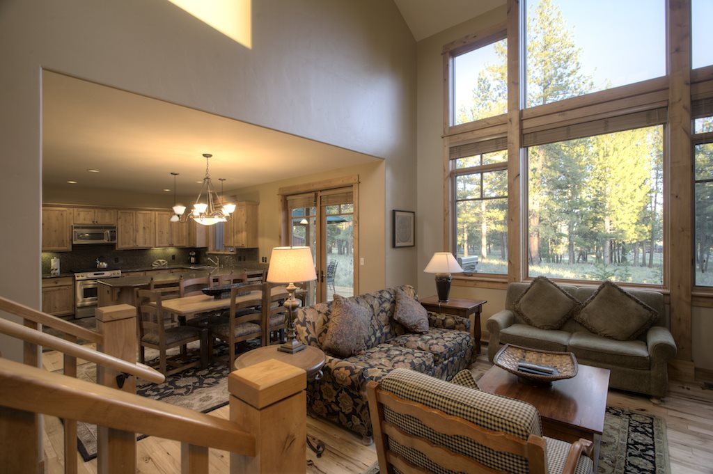 Additional photo for property listing at 12339 Lookout Loop  Truckee, California 96161 Estados Unidos