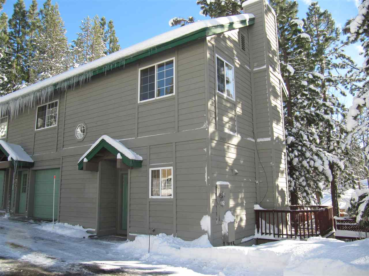 Additional photo for property listing at 12485 Northwoods Boulevard  Truckee, California 96161 Estados Unidos