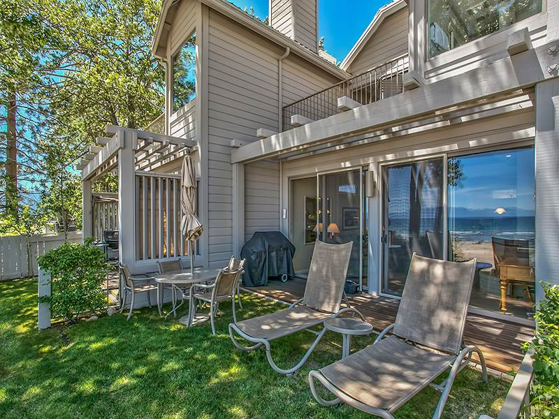 Additional photo for property listing at 8000 North Lake Boulevard  Kings Beach, California 96143 Estados Unidos