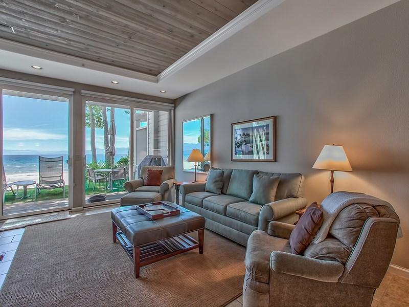 Additional photo for property listing at 8000 North Lake Boulevard 8000 North Lake Boulevard Kings Beach, California 96143 Estados Unidos