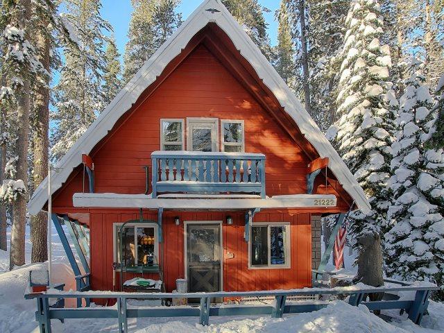 Casa Unifamiliar por un Venta en 21222 Donner Pass Road 21222 Donner Pass Road Soda Springs, California 95728 Estados Unidos
