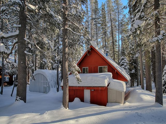 Additional photo for property listing at 21222 Donner Pass Road 21222 Donner Pass Road Soda Springs, California 95728 Estados Unidos