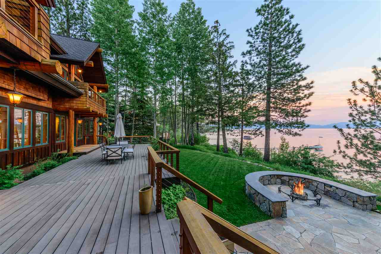 Casa Unifamiliar por un Venta en 1780 North Lake Boulevard Tahoe City, California 96145 Estados Unidos
