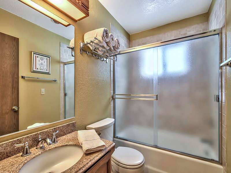 Additional photo for property listing at 949 Dana Court  Incline Village, Nevada 89451 Estados Unidos