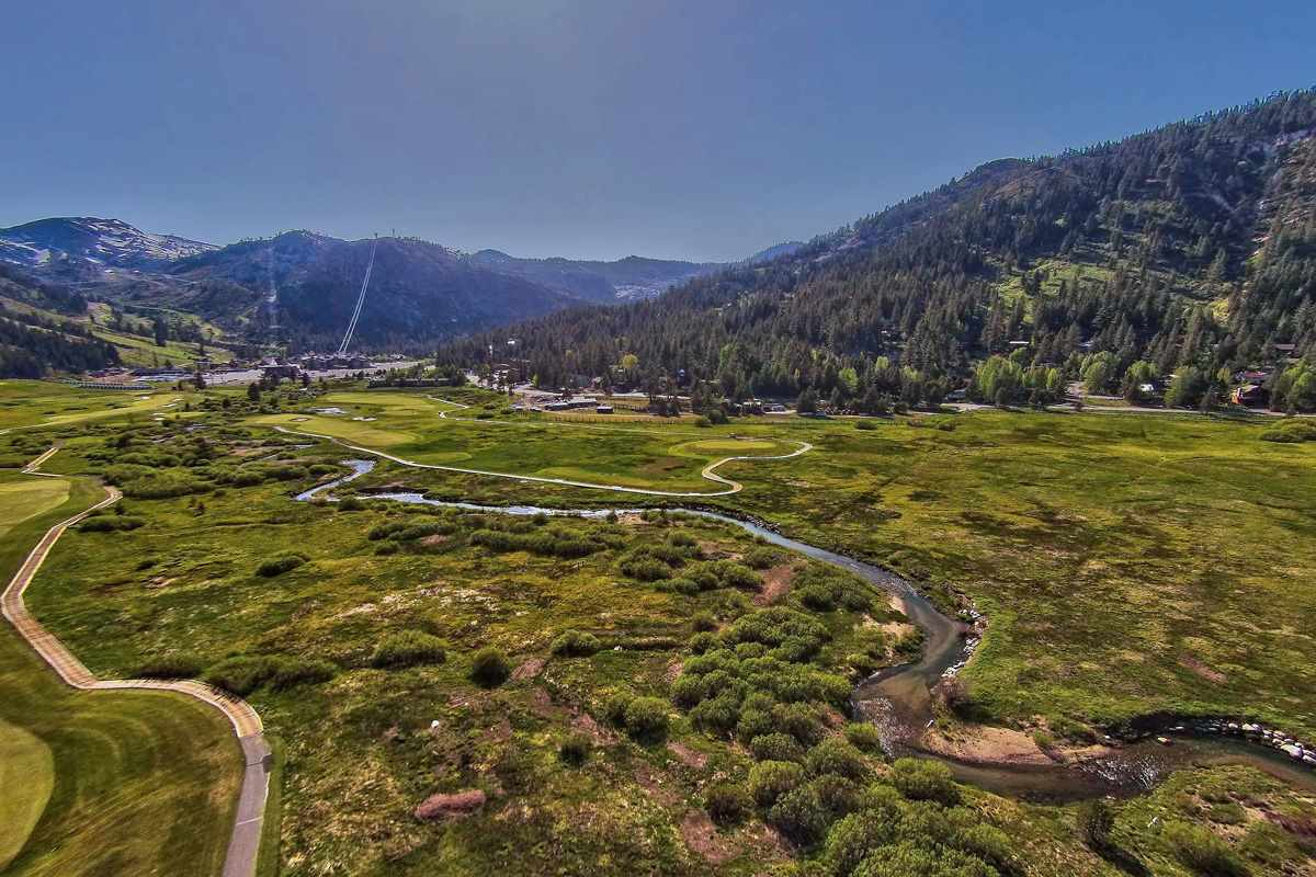 Additional photo for property listing at 1985 Squaw Valley Road  Olympic Valley, California 96146 Estados Unidos