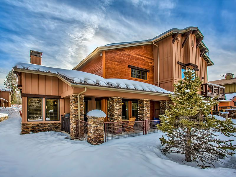 Condo / Townhouse for Active at 11855 Hope Court Truckee, California 96161 United States