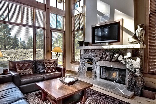 Additional photo for property listing at 12323 Lookout Loop  Truckee, California 96161 United States