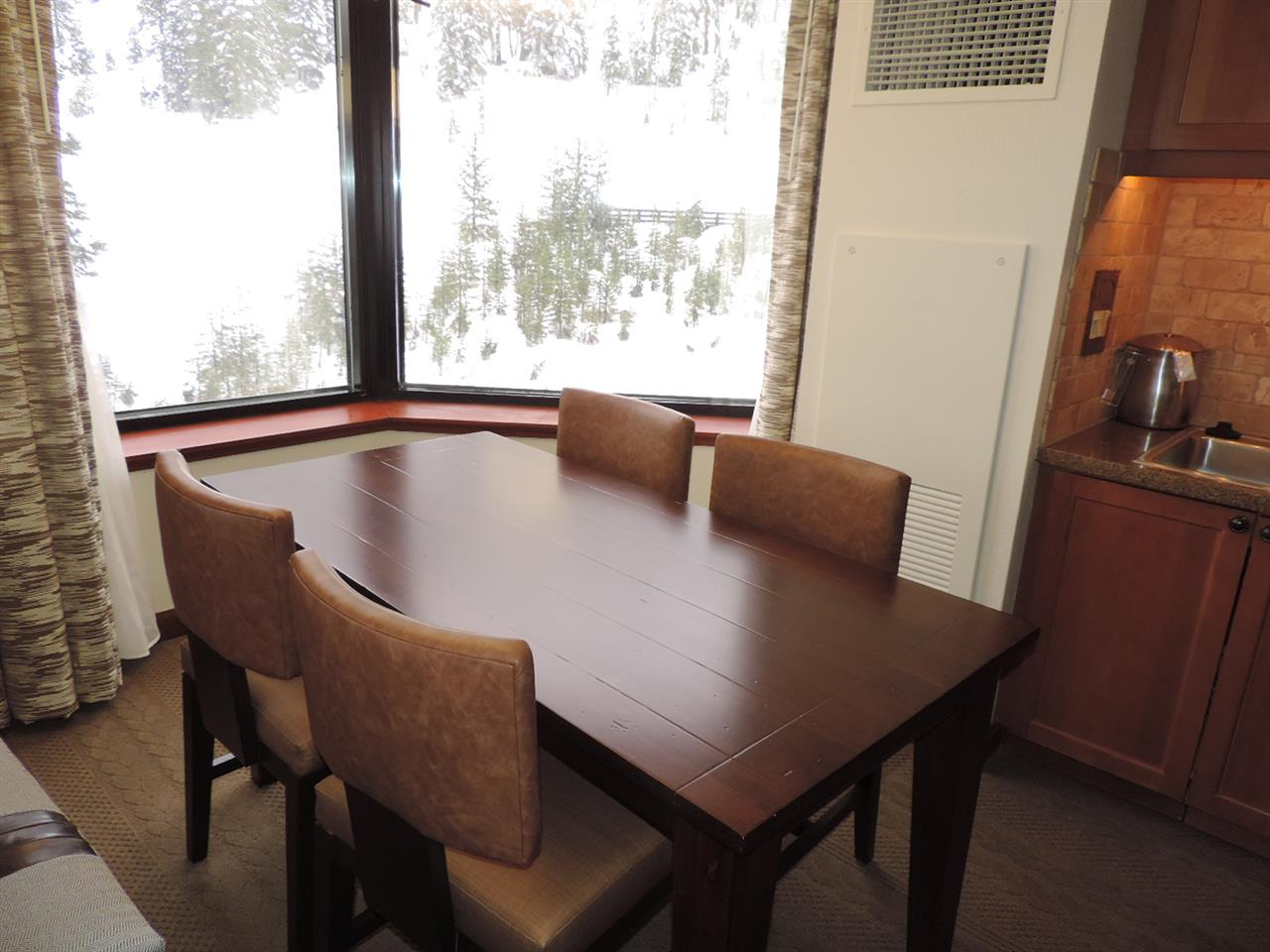 Additional photo for property listing at 400 Squaw Creek Road  奥林匹克山, 加利福尼亚州 96146 美国
