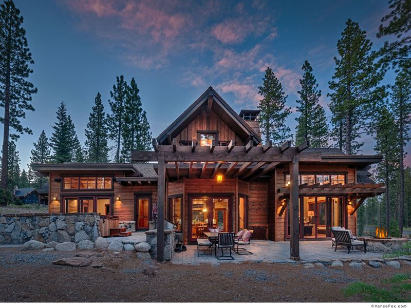 Single Family Home for Active at 8148 Valhalla Drive Truckee, California 96161 United States
