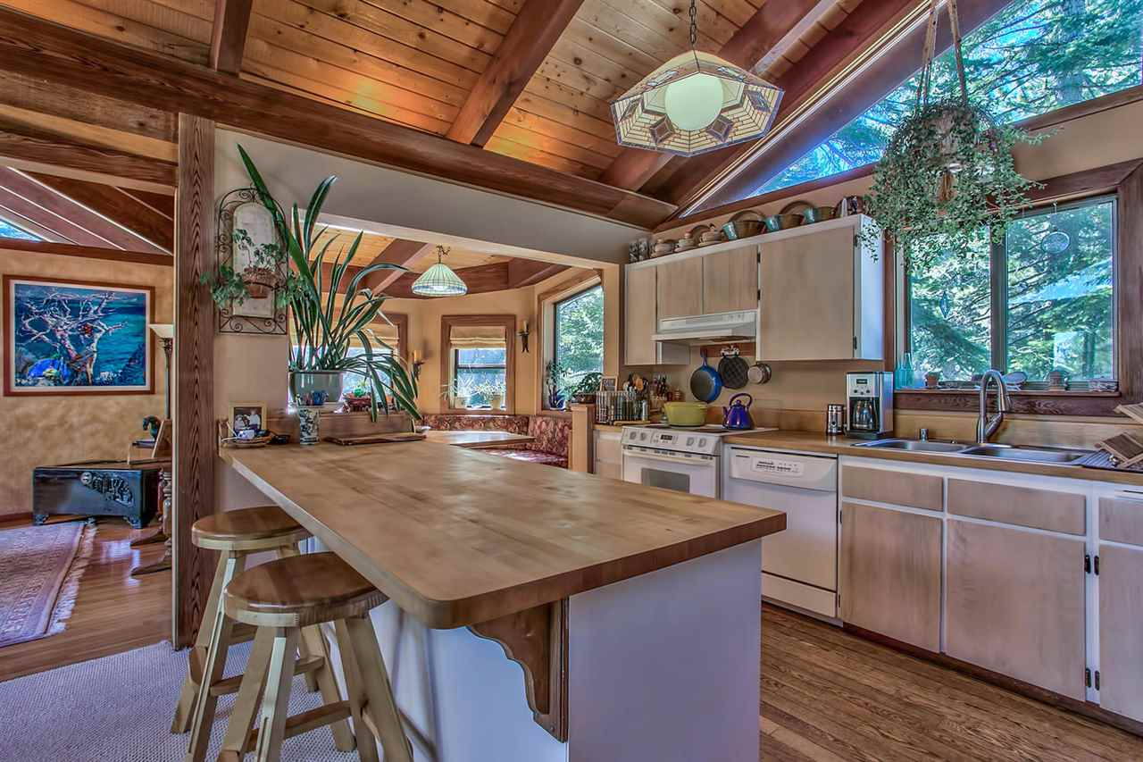 Additional photo for property listing at 3885 Lacrosse Drive 3885 Lacrosse Drive Carnelian Bay, California 96140 Estados Unidos