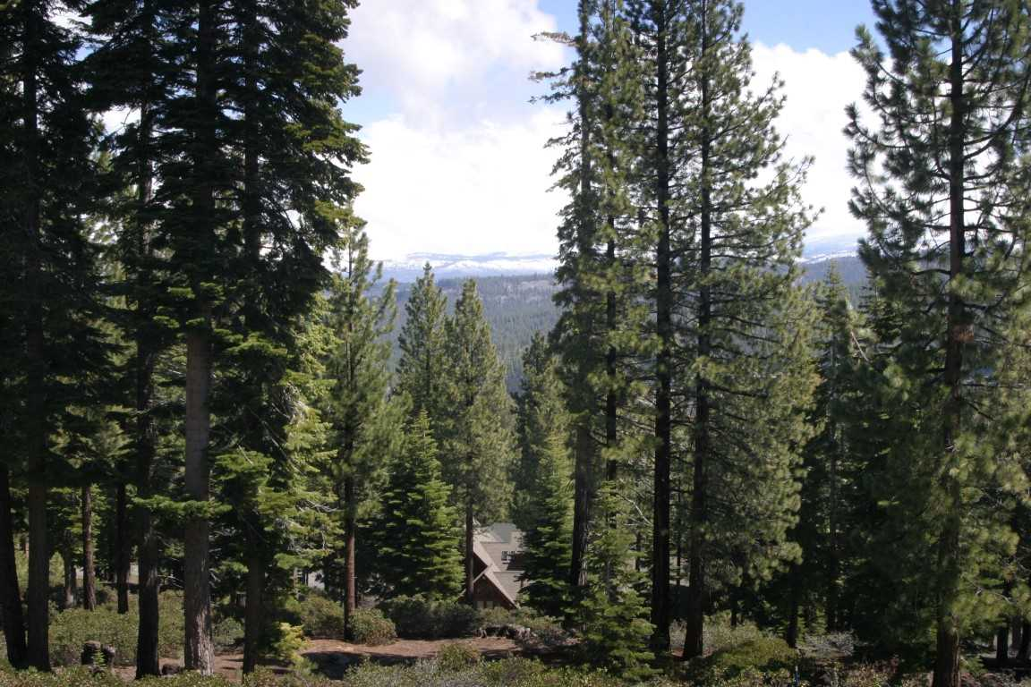 Additional photo for property listing at 2501 N Summit Place  Truckee, California 96161 United States