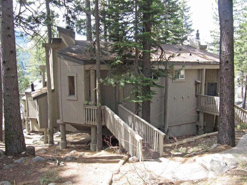 Additional photo for property listing at 15462 Donner Pass Road  Truckee, California 96161 Estados Unidos