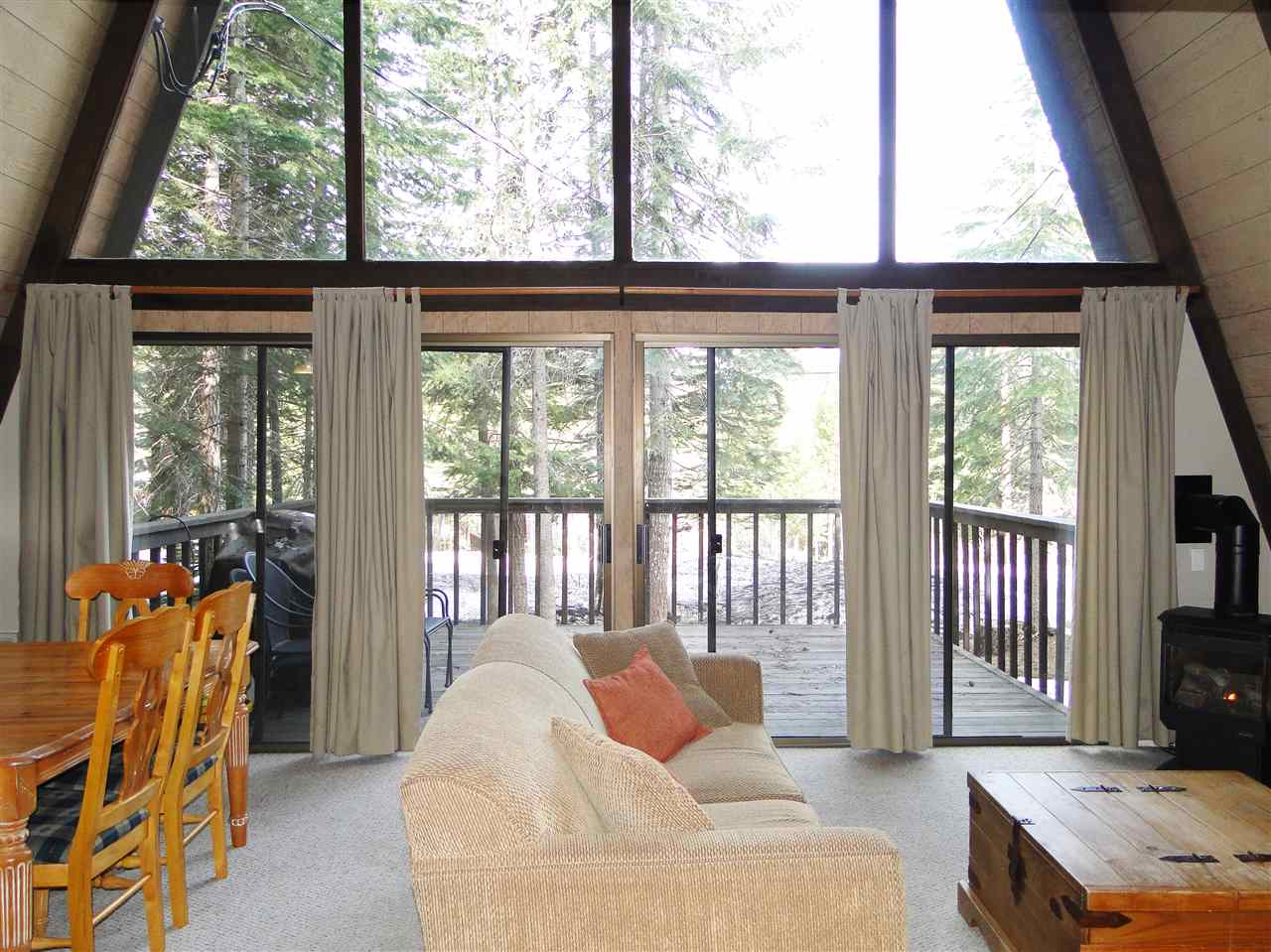 Additional photo for property listing at 15619 Northwoods Boulevard 15619 Northwoods Boulevard Truckee, California 96161 United States