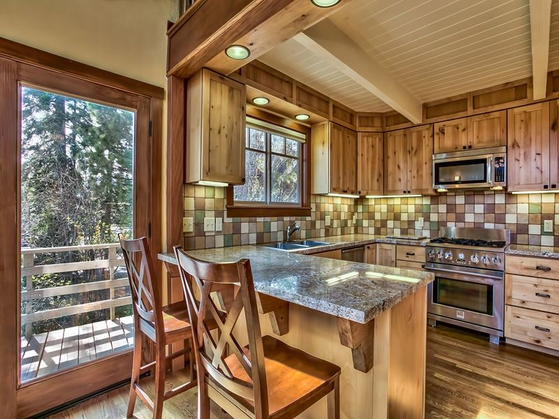 Additional photo for property listing at 7609 Forest Glenn Drive  Tahoe Vista, California 96148 Estados Unidos