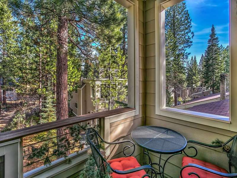 公寓 / 联排别墅 为 销售 在 123 Juanita Drive Incline Village, 内华达州 89451 美国