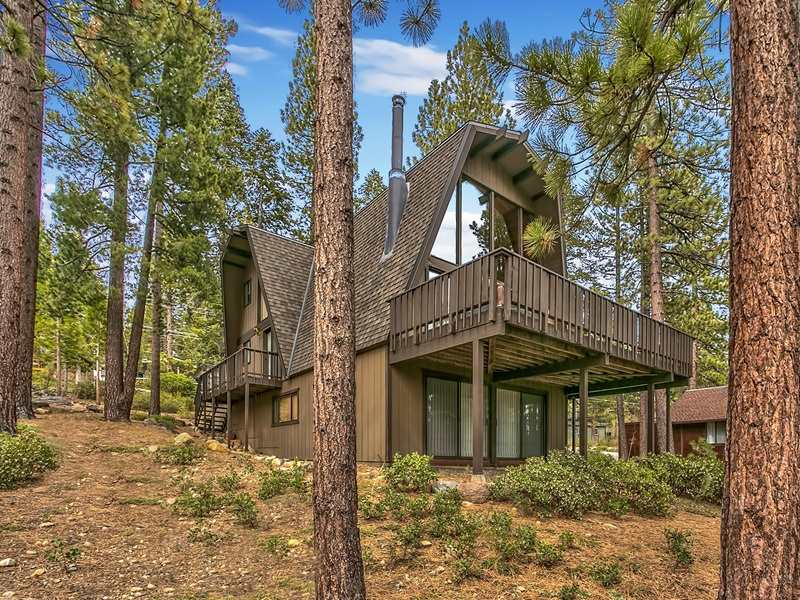 Additional photo for property listing at 91 Tahoma Avenue 91 Tahoma Avenue Tahoe City, California 96145 United States