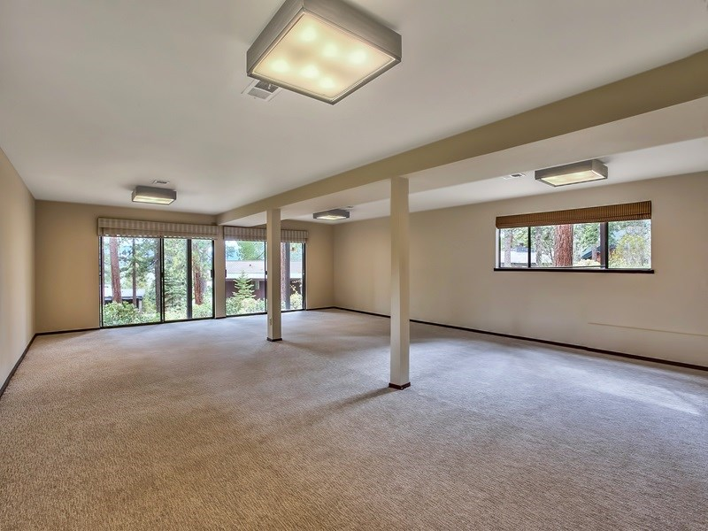 Additional photo for property listing at 91 Tahoma Avenue 91 Tahoma Avenue 塔霍湖城, 加利福尼亚州 96145 美国