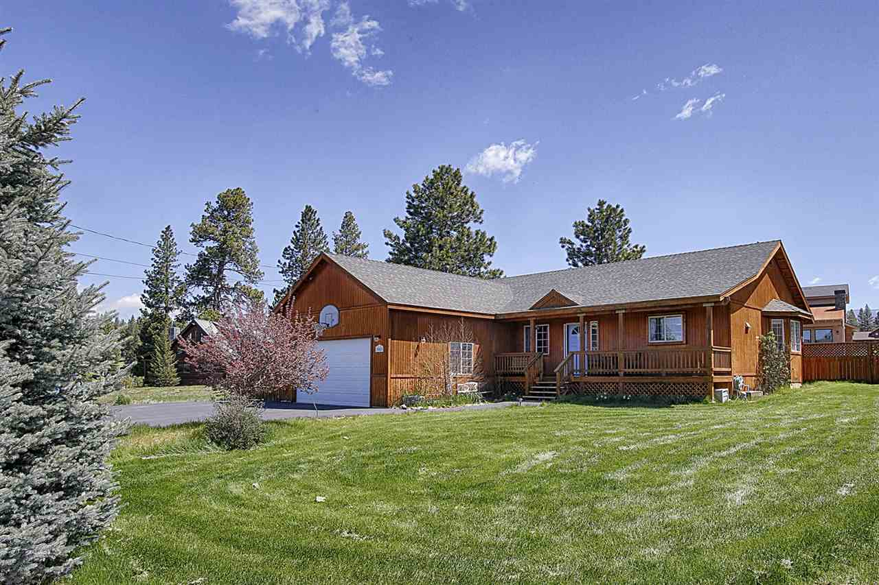 Single Family Home for Active at 10085 Wiltshire Lane 10085 Wiltshire Lane Truckee, California 96161 United States