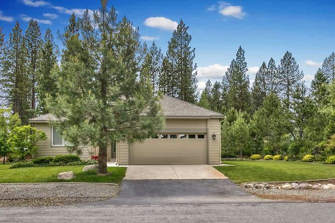 Additional photo for property listing at 6 Oak Court 6 Oak Court Blairsden, California 96103 Estados Unidos