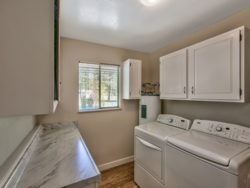 Additional photo for property listing at 100 Joy Way 100 Joy Way Portola, California 96122 Estados Unidos