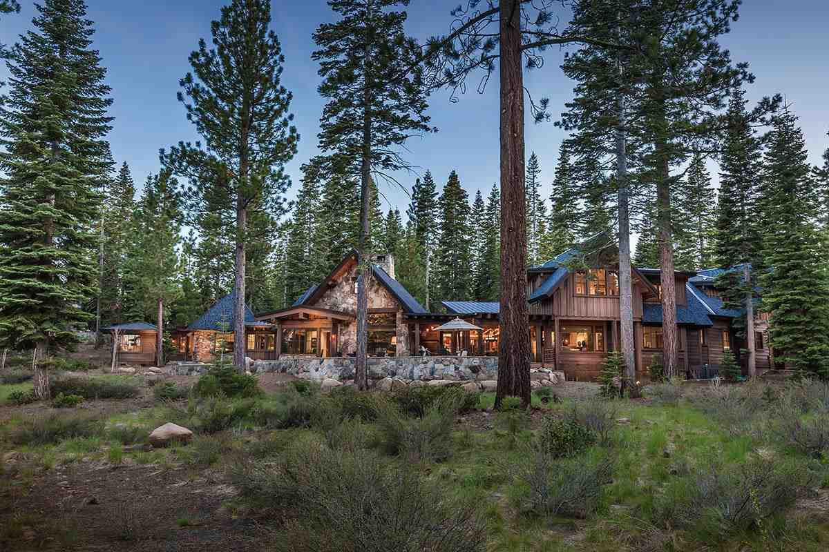 Single Family Home for Active at 8700 Boscobel Court Truckee, California 96161 United States