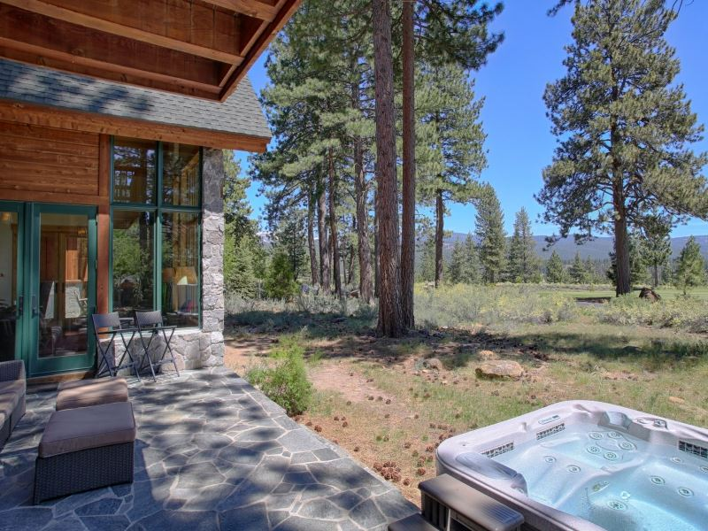 13103 Lookout Loop, Truckee, CA 96161
