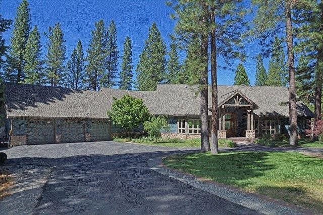 Casa Unifamiliar por un Venta en 858 Smith Creek Road 858 Smith Creek Road Graeagle, California 96103 Estados Unidos
