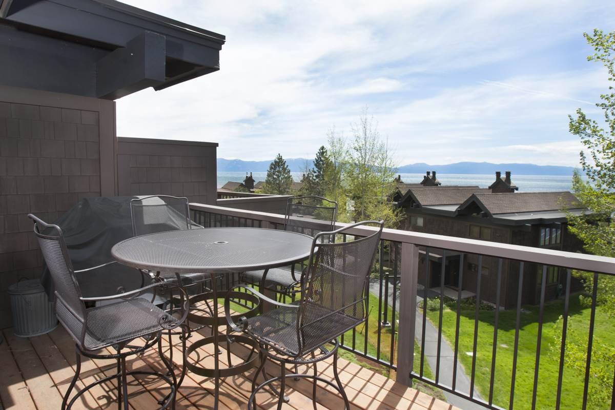共管式独立产权公寓 为 销售 在 270 North Lake Boulevard 南太浩湖, 加利福尼亚州 96145 美国