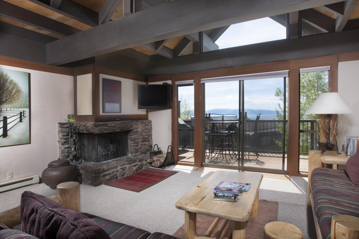 Additional photo for property listing at 270 North Lake Boulevard  South Lake Tahoe, California 96145 Estados Unidos