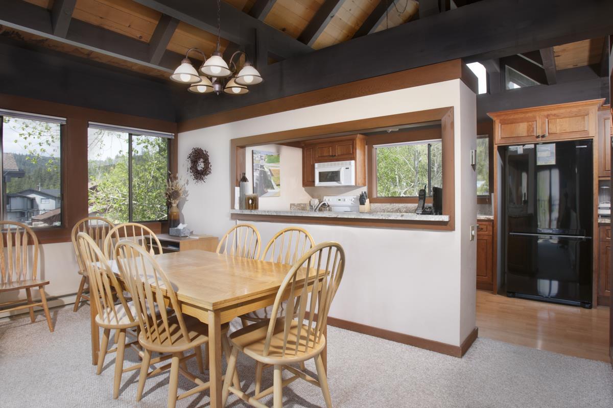 Additional photo for property listing at 270 North Lake Boulevard  南太浩湖, 加利福尼亚州 96145 美国