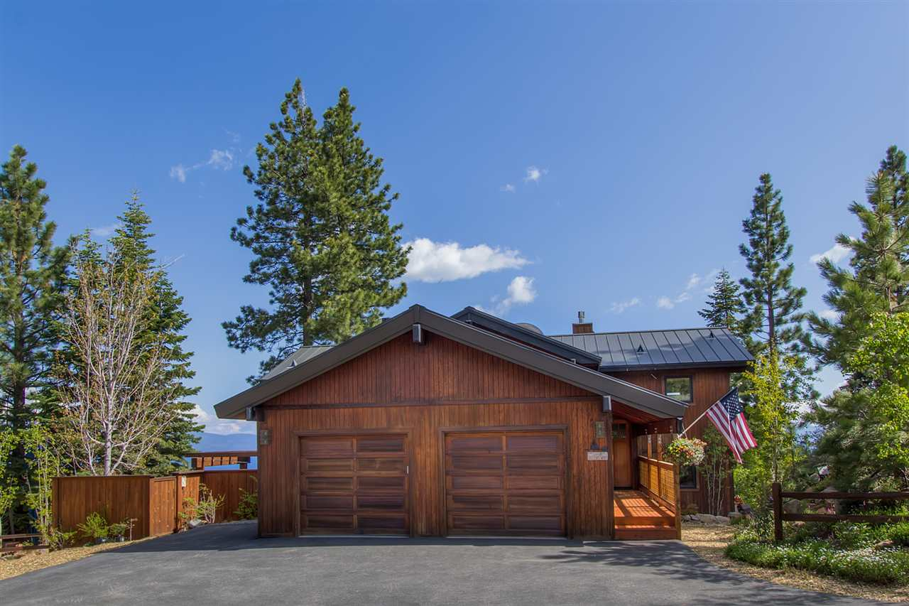 Casa Unifamiliar por un Venta en 1578 Queens Way Tahoe Vista, California 96148 Estados Unidos