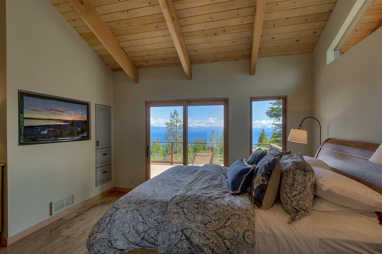 Additional photo for property listing at 1578 Queens Way  Tahoe Vista, California 96148 Estados Unidos