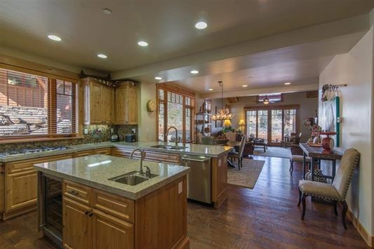 Additional photo for property listing at 10236 Valmont Trail  Truckee, California 96161 Estados Unidos