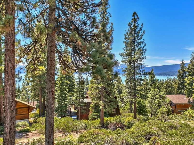 Additional photo for property listing at 81 Observation Drive  Tahoe City, California 96145 United States