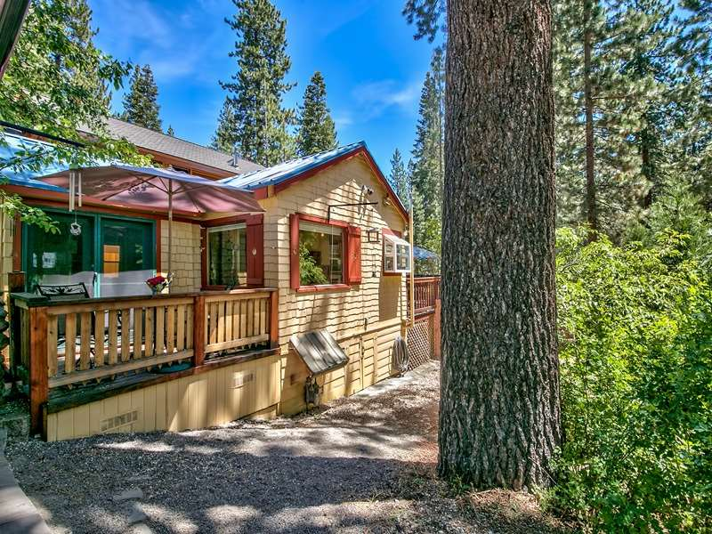 Additional photo for property listing at 264 Pino Grande Avenue 264 Pino Grande Avenue Tahoe Vista, California 96148 United States