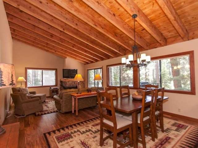Additional photo for property listing at 2560 Lake Forest Road  Tahoe City, California 96145 Estados Unidos