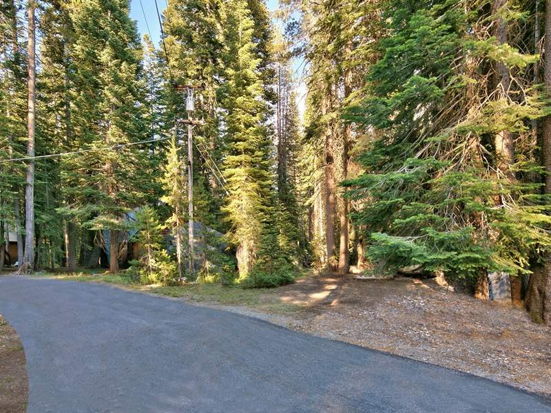 Additional photo for property listing at 10173 Aspen Court 10173 Aspen Court Soda Springs, California 95728 Estados Unidos