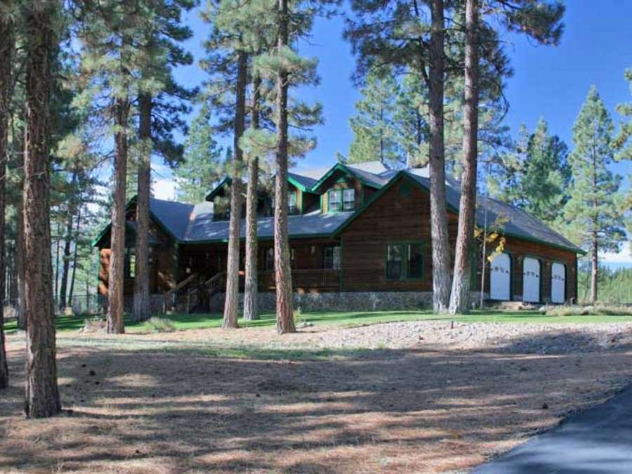 Single Family Home for Active at 5648 Grizzly Road Lake Almanor, California 96122 United States