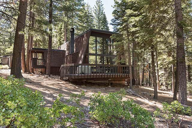 Single Family Home for Active at 1609 Deer Path Truckee, California 96161 United States