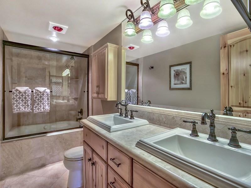 Additional photo for property listing at 1136 Lucerne Way  Incline Village, Nevada 89451 Estados Unidos