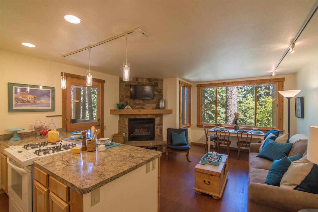 Condo / Townhouse for Active at 4065 Coyote Fork 4065 Coyote Fork Truckee, California 96161 United States