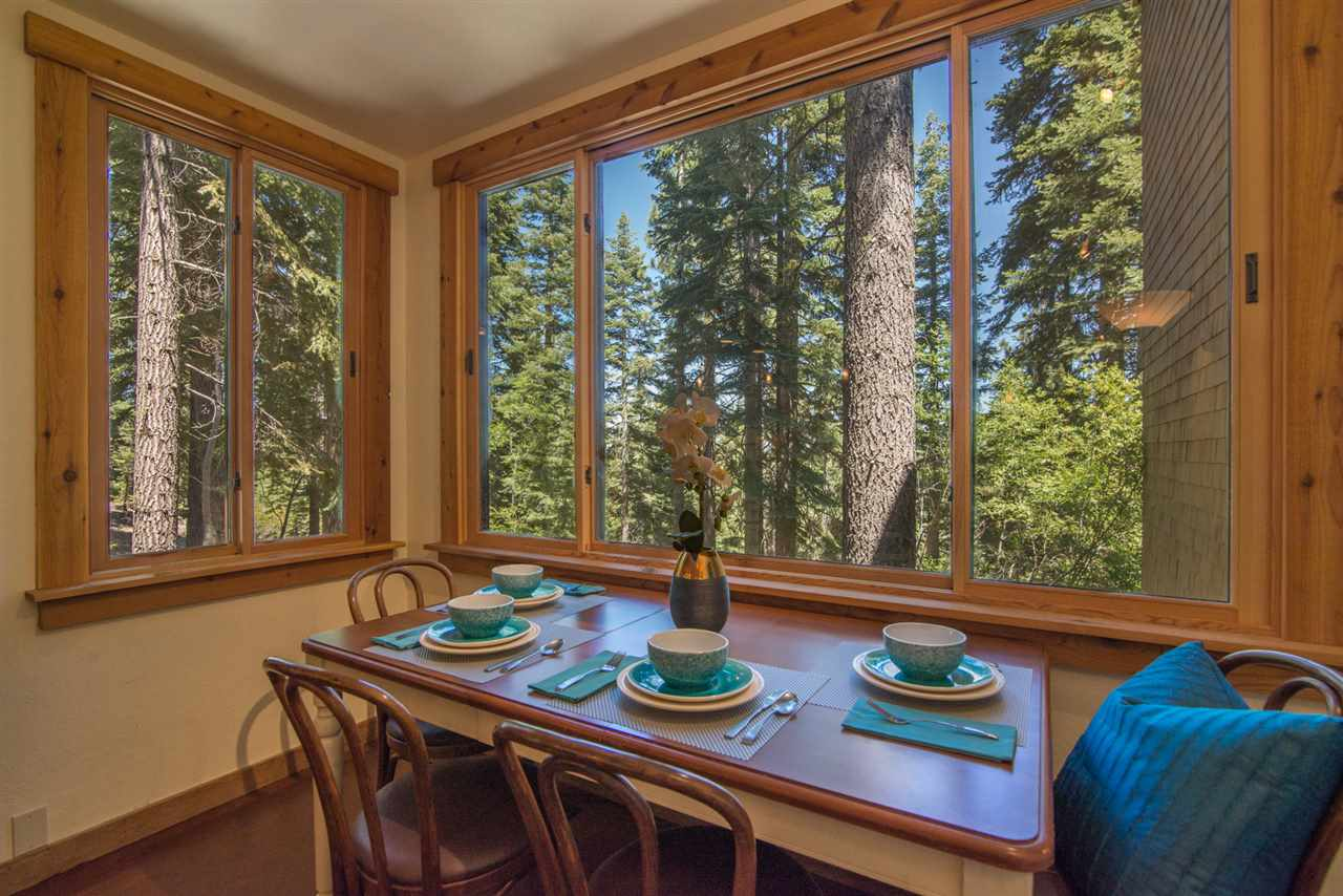 Additional photo for property listing at 4065 Coyote Fork 4065 Coyote Fork Truckee, California 96161 United States