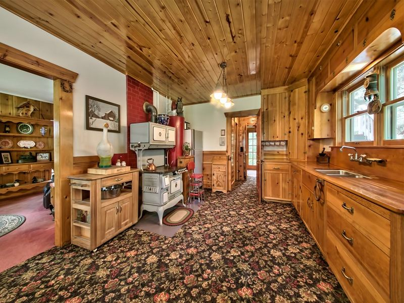 Additional photo for property listing at 16527 Robertson Road  Truckee, California 96161 United States