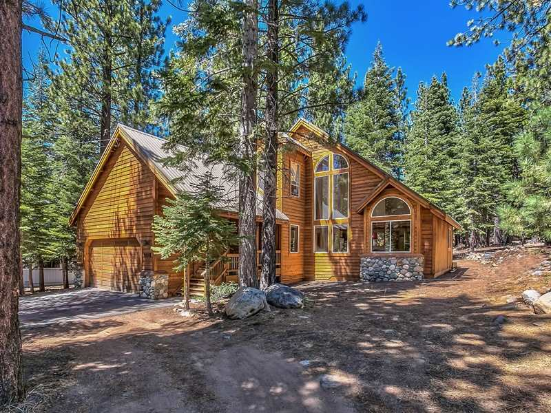 Casa Unifamiliar por un Venta en 12011 Schussing Way Truckee, California 96161 Estados Unidos