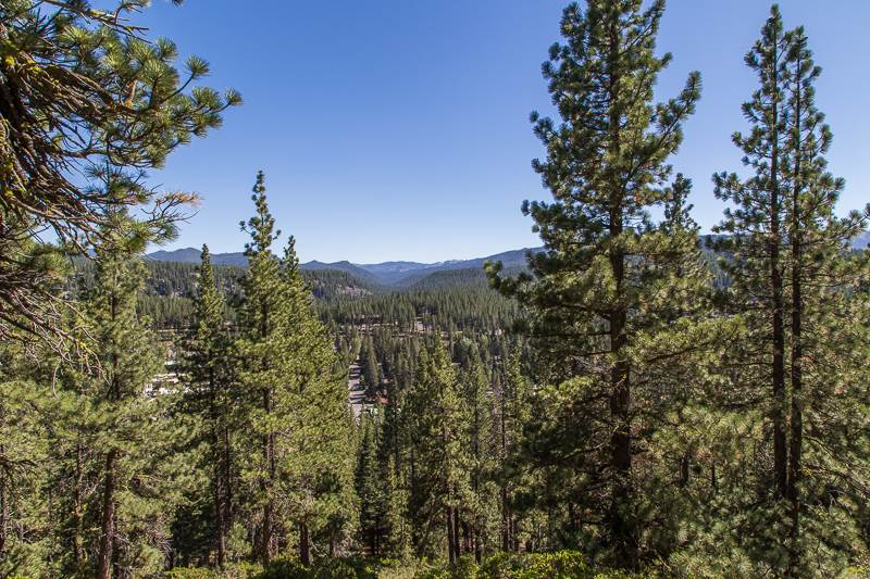Additional photo for property listing at 11174 Donner Pass Road  Truckee, California 96161 Estados Unidos