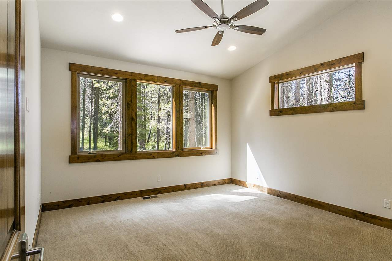 Additional photo for property listing at 13716 Heidi Way 13716 Heidi Way Truckee, California 96161 United States