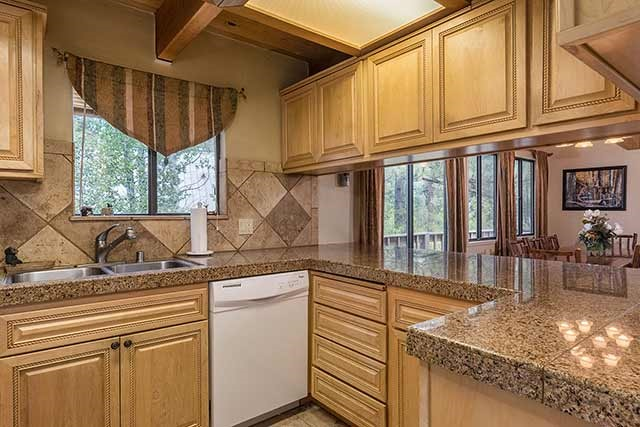 Additional photo for property listing at 838 Beaver Pond  特拉基, 加利福尼亚州 96161 美国